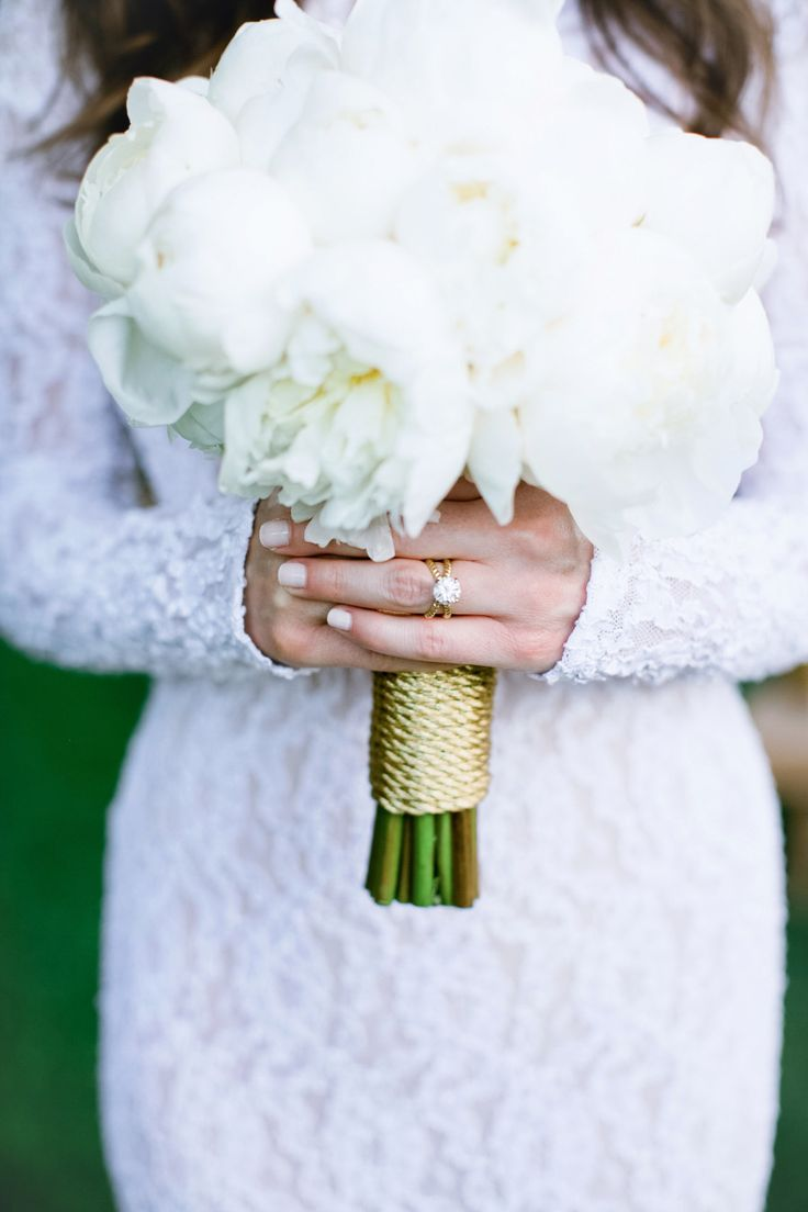 This bride's engagement ring truly pops in this photo: www.stylemepretty...