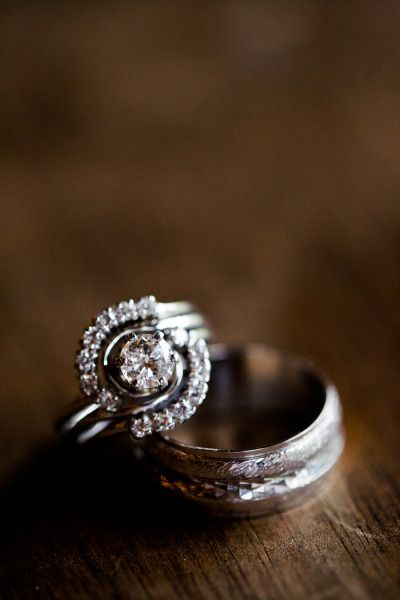 Unique engagement ring: www.stylemepretty... | Photography: Angie Wilson - angie...