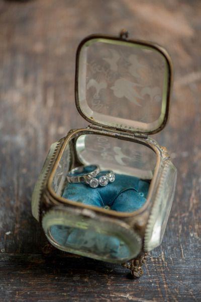 Vintage ring holder: www.stylemepretty... | Photography: Julia Jane - www.juliaj...