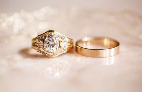 Vintage wedding ring: www.stylemepretty...   Photography: Light and Lace - www.l...