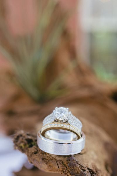 Wedding rings: www.stylemepretty...   Photography: Sara & Rocky - saraandrocky.c...