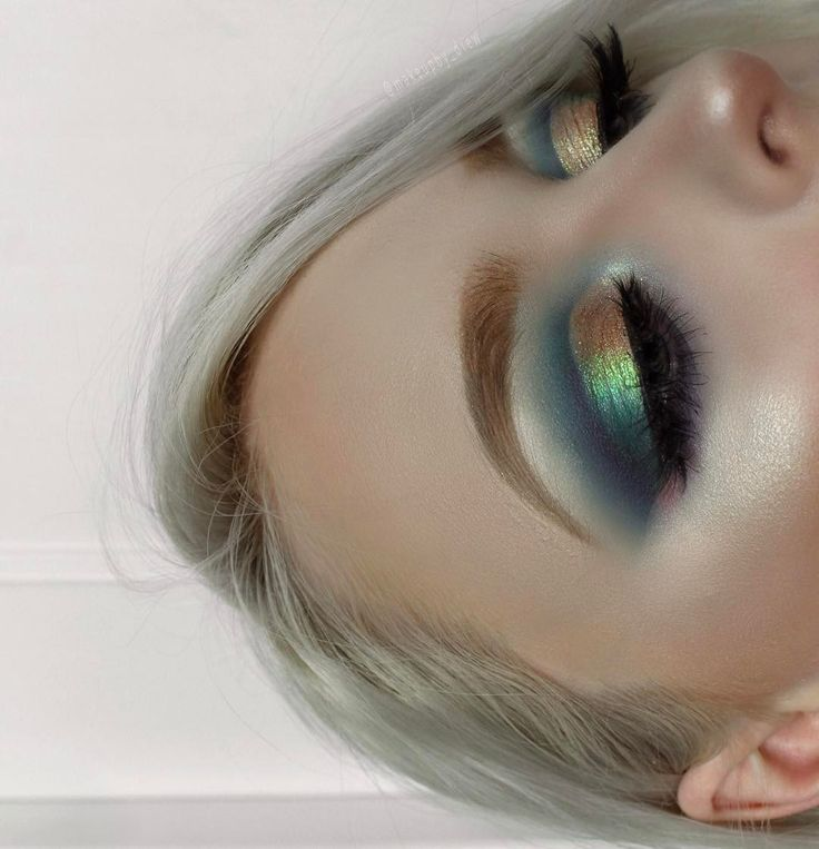 14 Rainbow Makeup Looks That Will Give You Heart Eyes