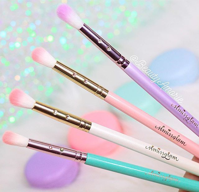 Prettiest and softest brushes I own!✨ stephanie lewis UNICORNLOVE  for 40% off...
