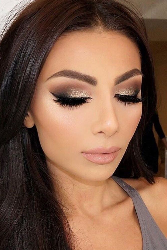 Prom makeup is one of the first major challenges of the beauty world that is wai...