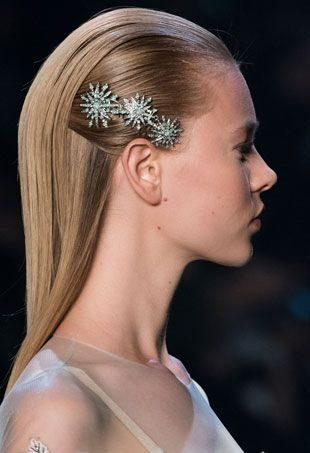 Easy ways you can rock hair barrettes without looking like you're heading ba...