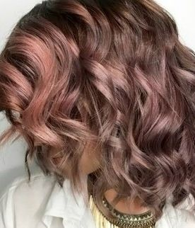 How to get this chocolate mauve hair trend