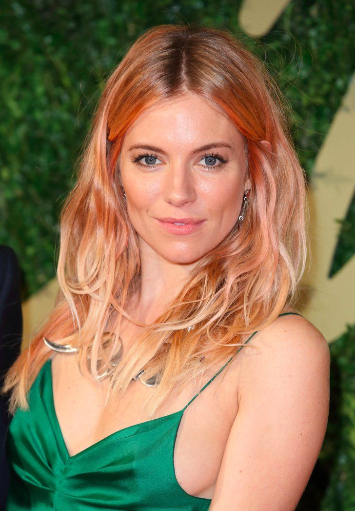 Sienna Miller looks beautiful with rose gold hair