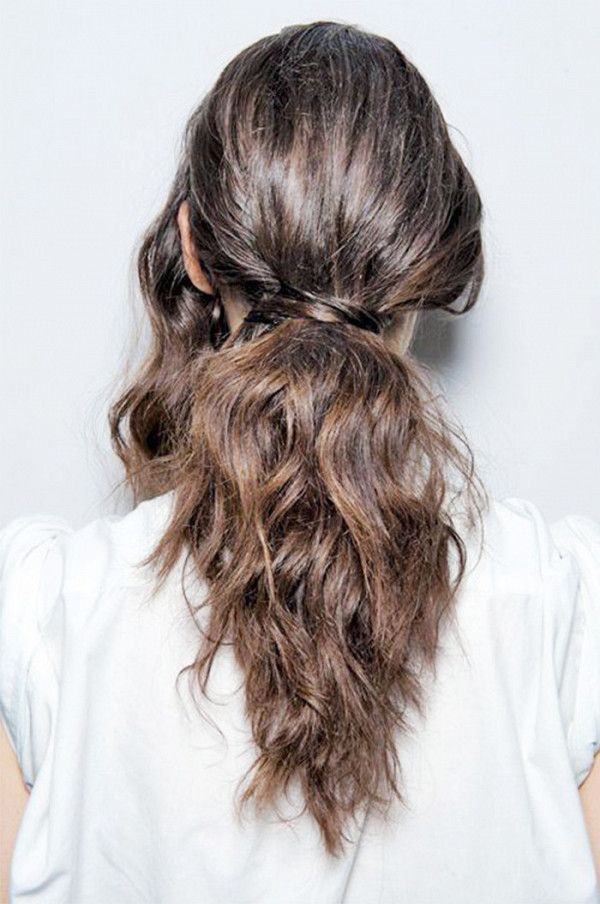 The loose ponytail