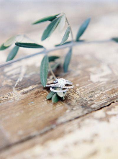 A little bit of sparkle: www.stylemepretty... | Photography: Brandon Aquino - ww...