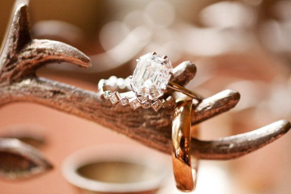 antlers + rings  Photography by perezweddings.com