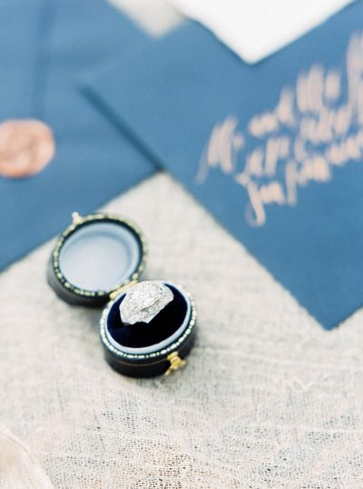 Drooling over this ring: www.stylemepretty...   Photography: Sally Pinera - sall...