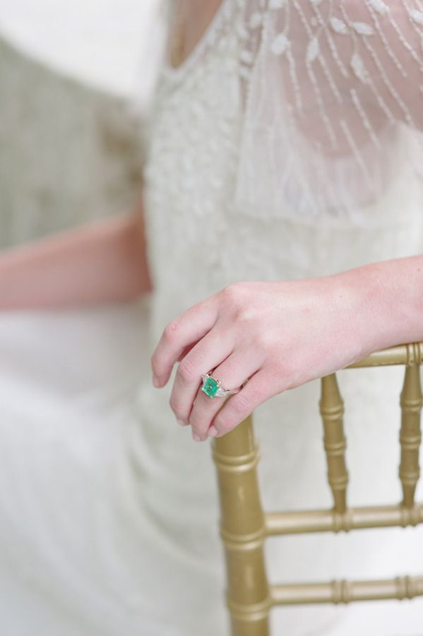 #emerald #green #ring Photography: Stacy Able - stacyable.com  Read More: stylem...