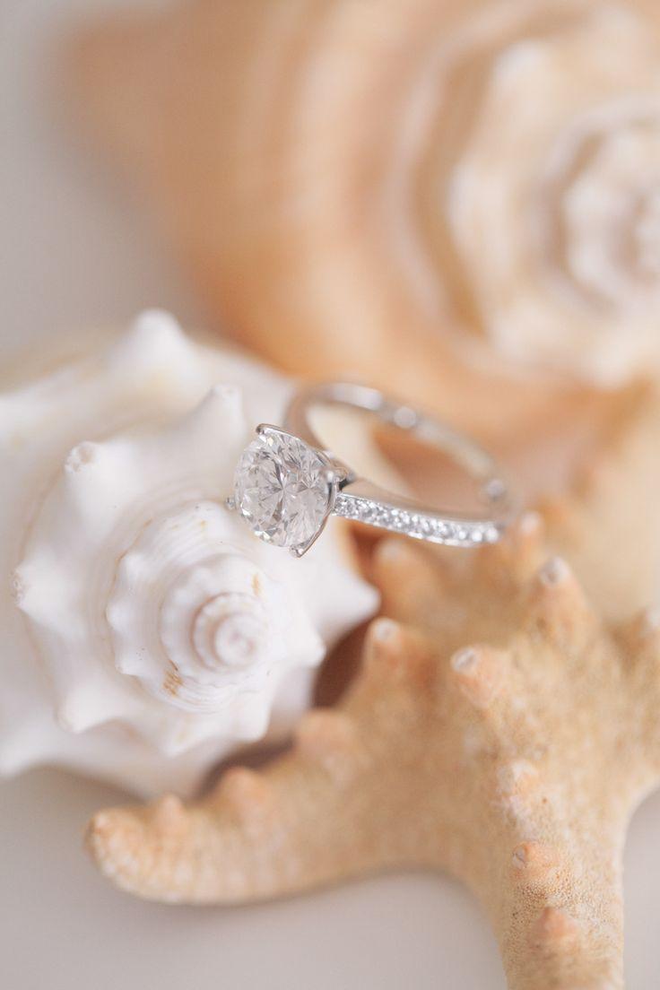 #Engagement Ring   Photography: Kelly Kollar
