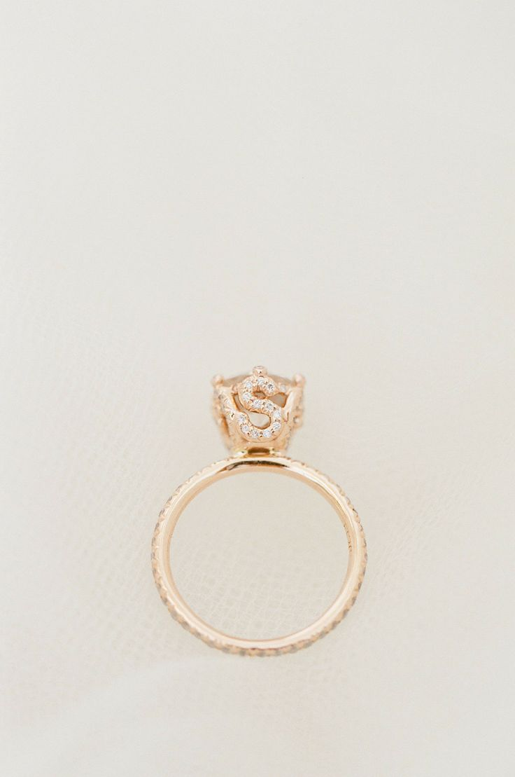 Engagement ring | Photography: KT Merry Photography | See the wedding on SMP : s...