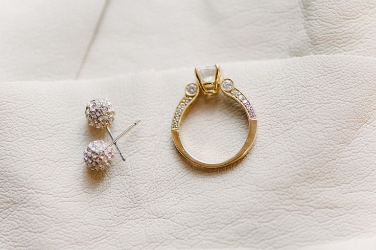 Engagement Rings -- Don't know the style.... On SMP: stylemepretty.com... |  Pho...