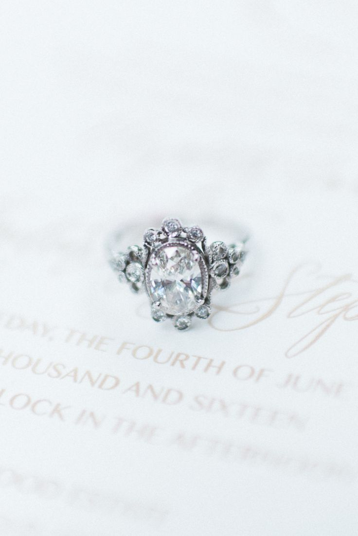 Fairytale engagement ring. Photography : Ashley Link Photography Read More on SM...