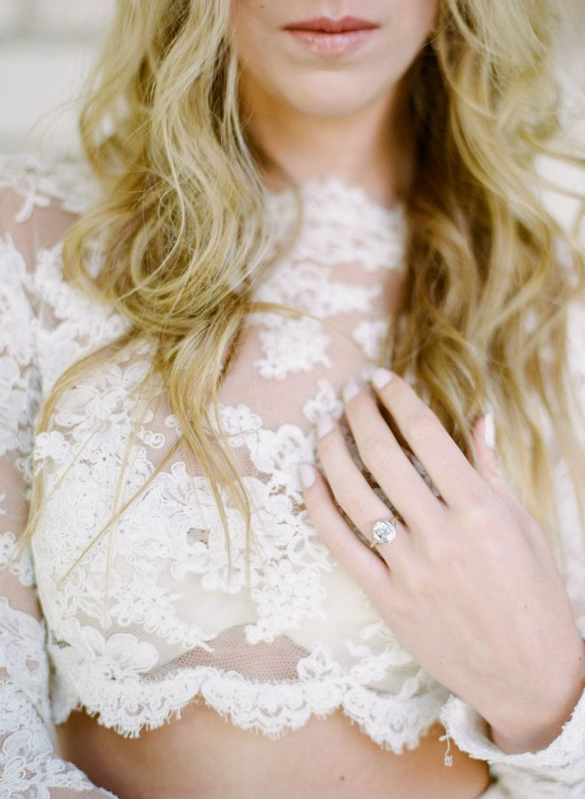 Glam engagement ring: www.stylemepretty... | Photography: Rebecca Yale Photograp...