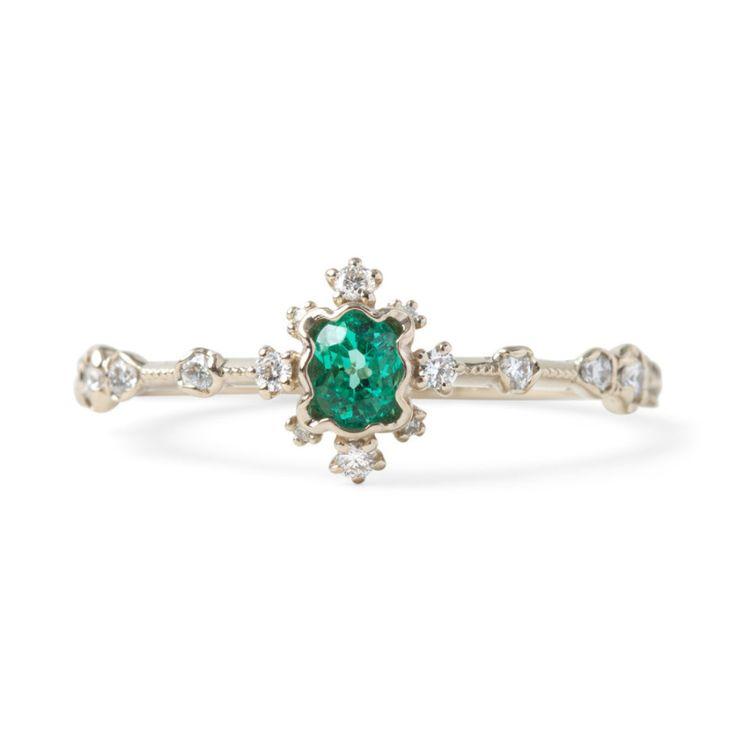 Kataoaka The Emerald Forest ring: www.stylemepretty...