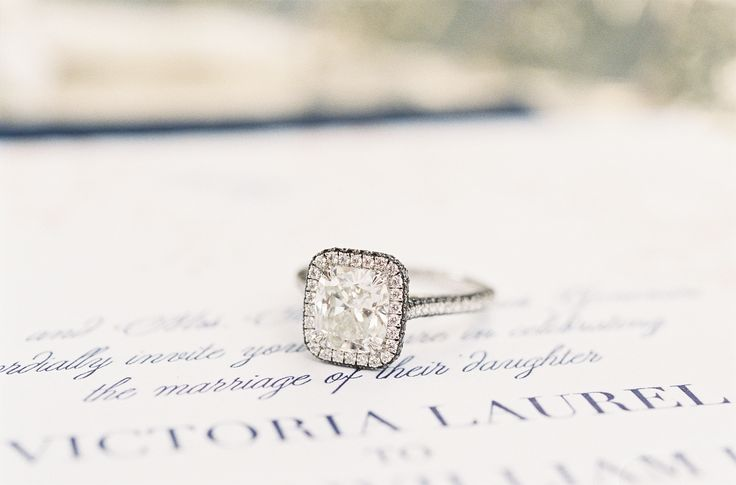 Love this engagement ring style! More wedding inspiration on #SMP here: www.Styl...