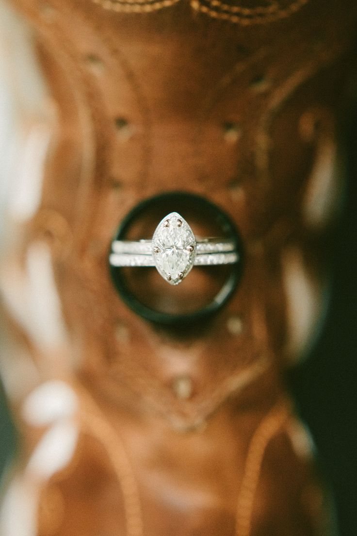 Marquis diamond ring   Read More: www.stylemepretty...   Photography: The Photog...