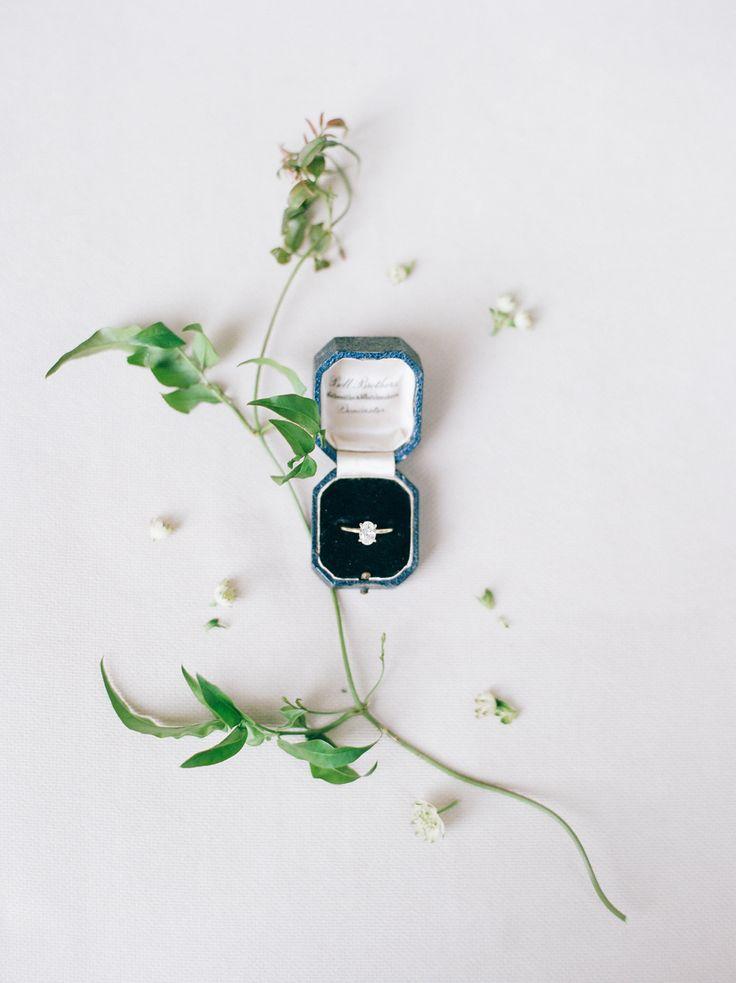 Modern engagement ring: Photography: Rachel Havel - rachelhavel.com/
