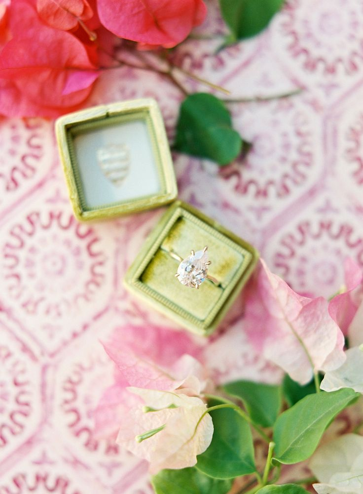 pear solitaire diamond in a velvet ring box | Photography: Sophie Epton