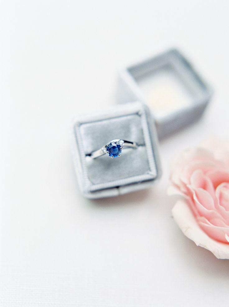 sapphire engagement ring | Photography: Savan Photography