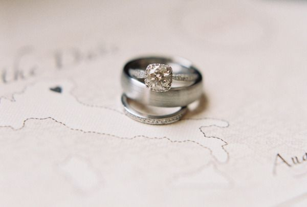 the prettiest square diamond #ring Photography by jessicalorren.com  Read more -...