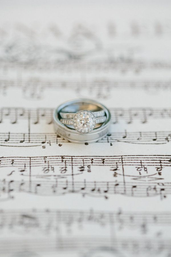 These are a few of our favorite things! Rings!! Jonna & Lee are married ;) Photo...