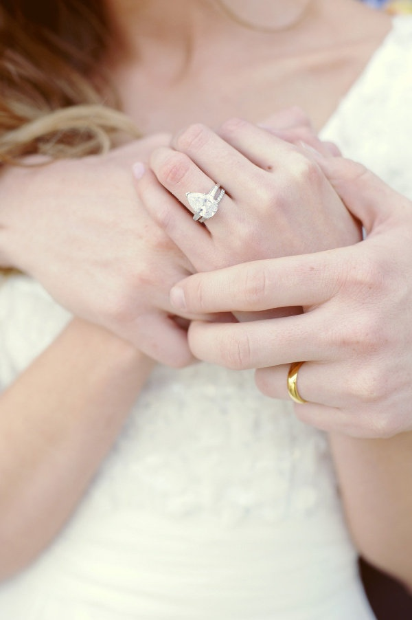 to-die-for ring  Photography by elizajphotography...