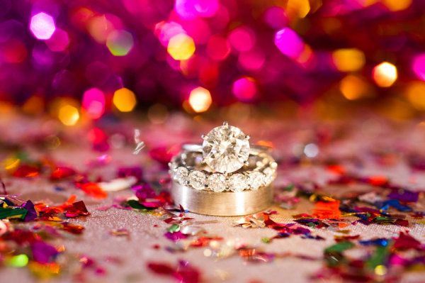 Two of our favorite things: confetti and diamonds  Photography by coryryan.com