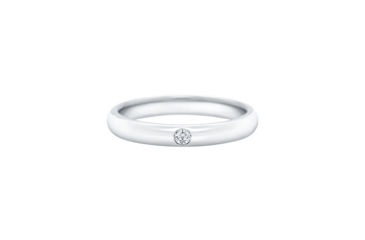 Understated elegance radiates from Harry Winston's Round Brilliant Single Diamon...