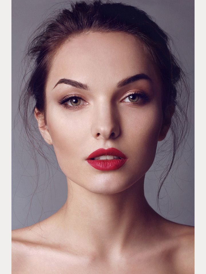bridal beauty inspiration | classic wedding makeup | soft eyes + red lips | mon ...