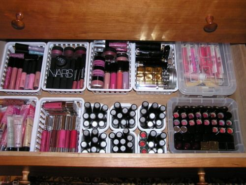 I'd love to get my makeup collection like this...