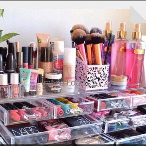 Like this makeup set up for my bathroom.