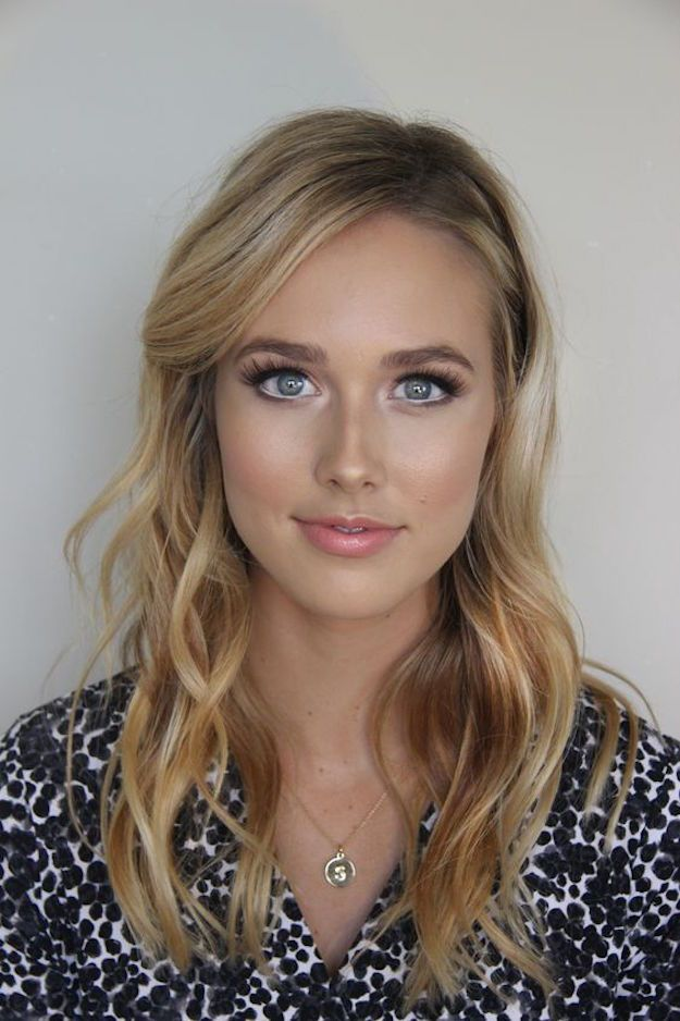 Wedding Makeup Ideas for Brides - Bright Eyes - Romantic make up ideas for the w...