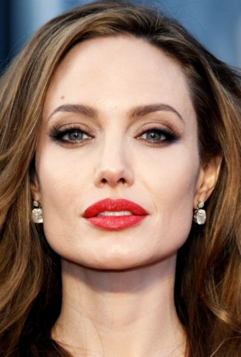 20 Best Celebrity Makeup Ideas for Green Eyes