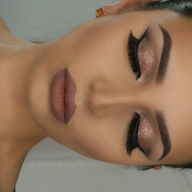Click here for 30+ similar luxury/glam blogs!! :)