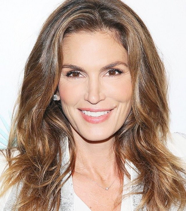 Cindy Crawford's bouncy curls are gorgeous