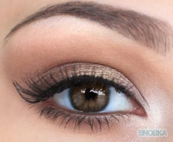 Create subtle & pretty eye make up by using light eyeliner and neutral colors wi...