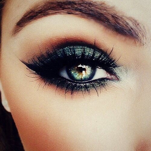 Mesmerise with smokey green eyes and longer than long eyelashes!
