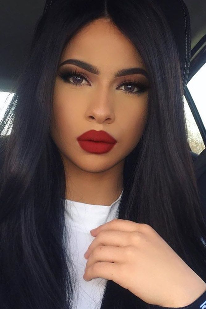 Red lipstick instantly makes you look feminine and sexually attractive. Click to...