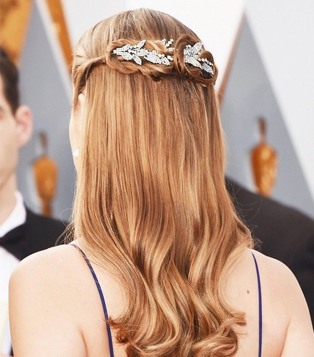Brie Larson's half-up, half-down look made a huge statement thanks to her em...