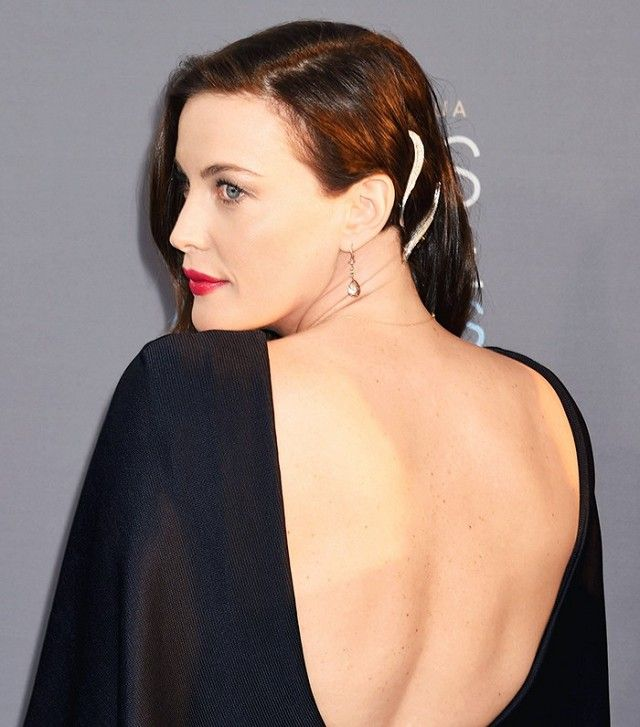Liv Tyler does a perfect job of maintaining her sideswept mane by using these st...