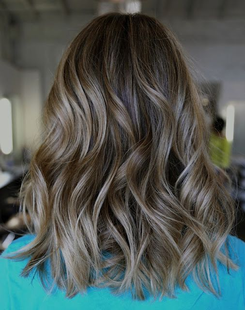 Natural blonde highlights: a before and after shared by Neil George Salon colori...