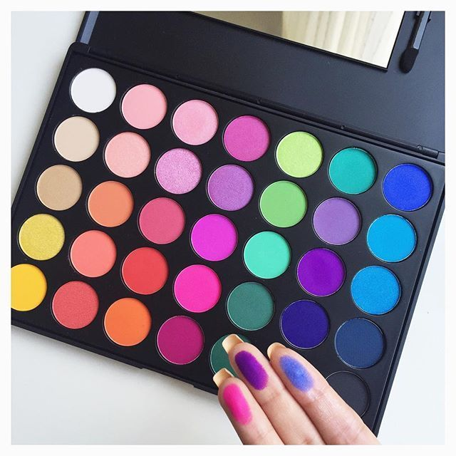 Loveee my new eyeshadow palette from #morphebrushes this is the 35B palette, so ...