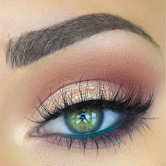 Makenzie Wilder can do no wrong! Her warm, smoky #eotd was achieved with our War...