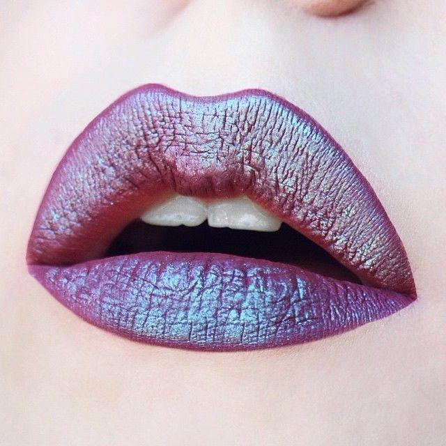 mermaid lips  I absolute love the way 'solstice' eyeshadow from urban de...