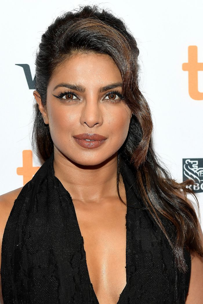 Behold: 15 times Priyanka Chopra's hair gave us a serious case of strand env...