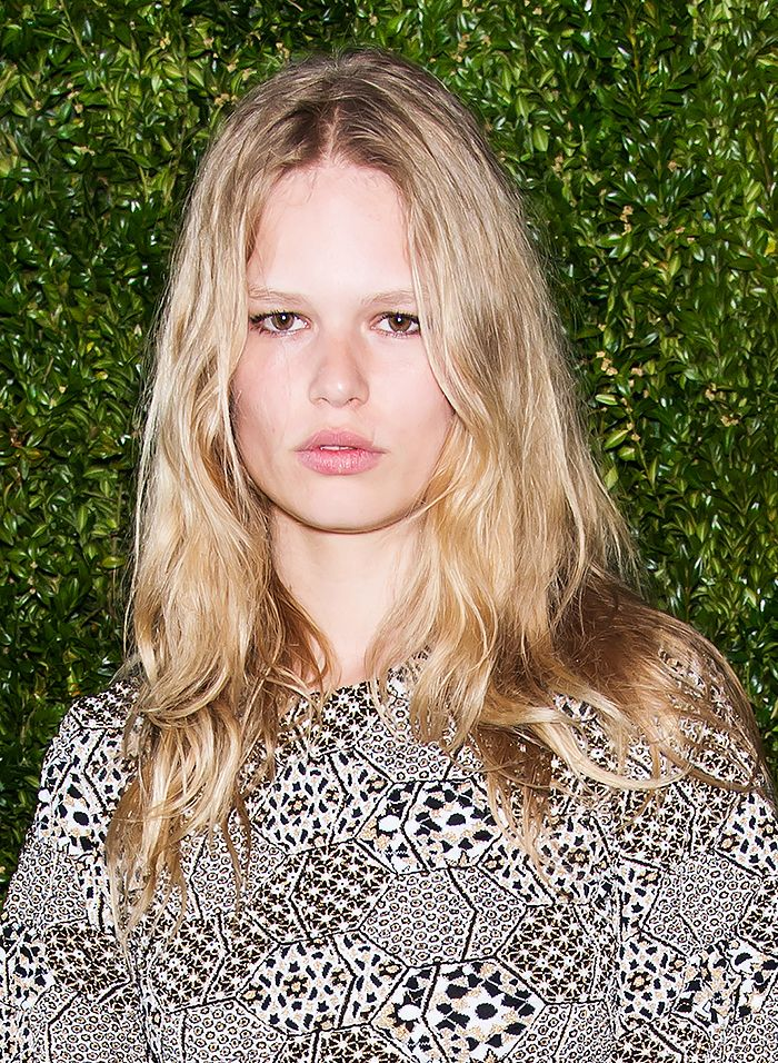 Ana Ewers embraces the model-off-duty hair look